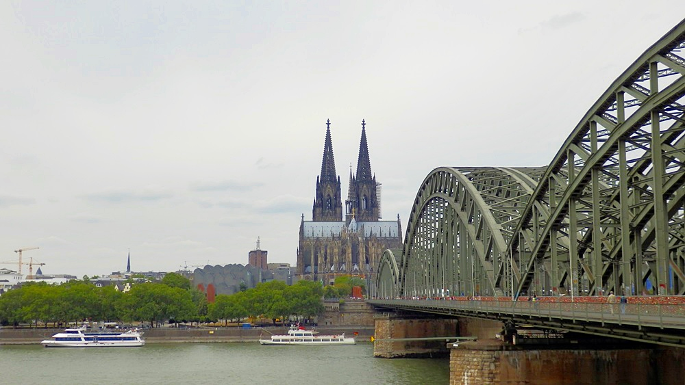 Cologne bridge keulen